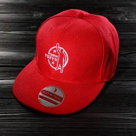 Красная бейсболка Tszyu Crew.